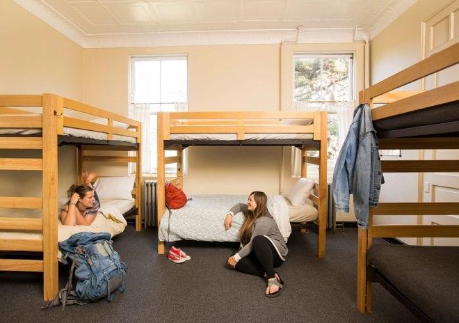 Hosteller birçok yönüyle avantajlı bir konaklama seçeneğidir