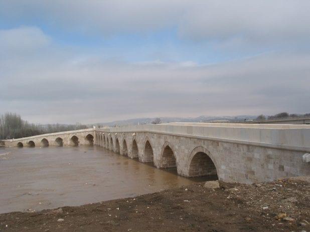 Eğri Köprü