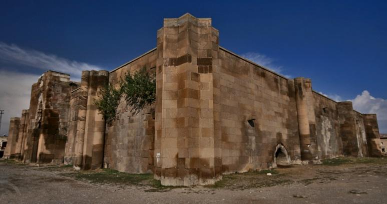 Kayseri-Bünyan Karadayı Köyü-Karatay Han
