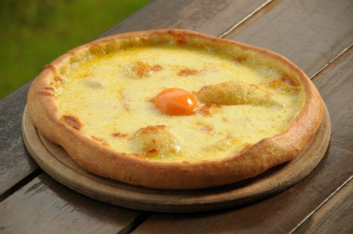 peynirli Trabzon pidesi