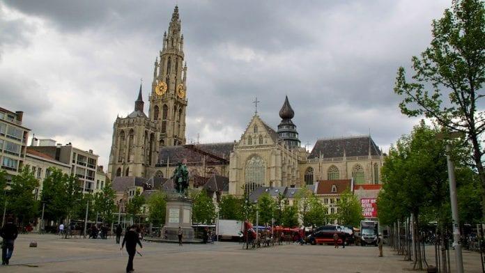 Bizim Leydi (Our Lady) Katedrali
