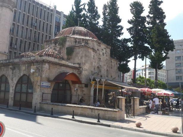 kemeraltı cami