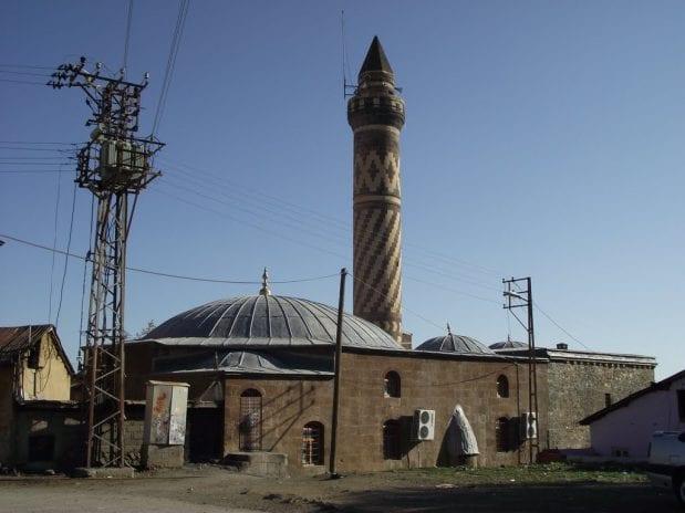 Hacı Şeref Camii