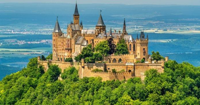 Hohenzollern Kalesi