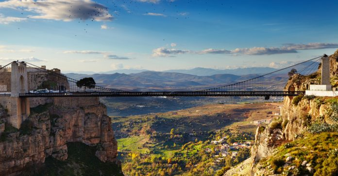 Konstantin Köprüsü