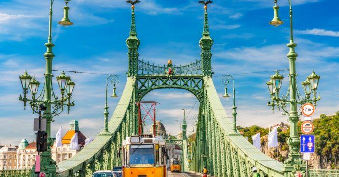 Liberty Köprüsü