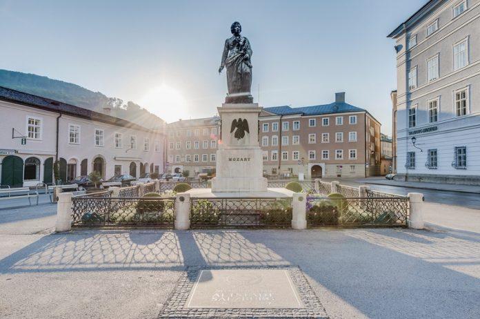 Mozart Anıtı