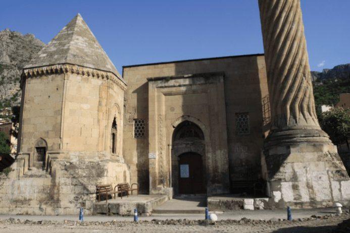 burmalı minare cami