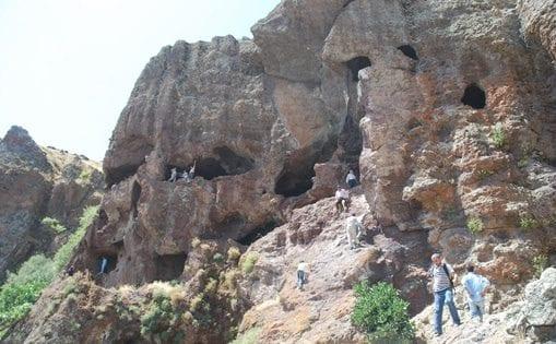 Kığı çiçektepe köyü mağarası