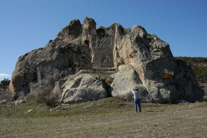 Hamamkaya Frig Kaya Mezarı