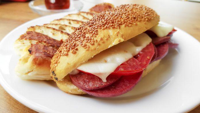 İzmir'in Yöresel Yemekleri | 46 Efsane Lezzet | Biletbayi.com