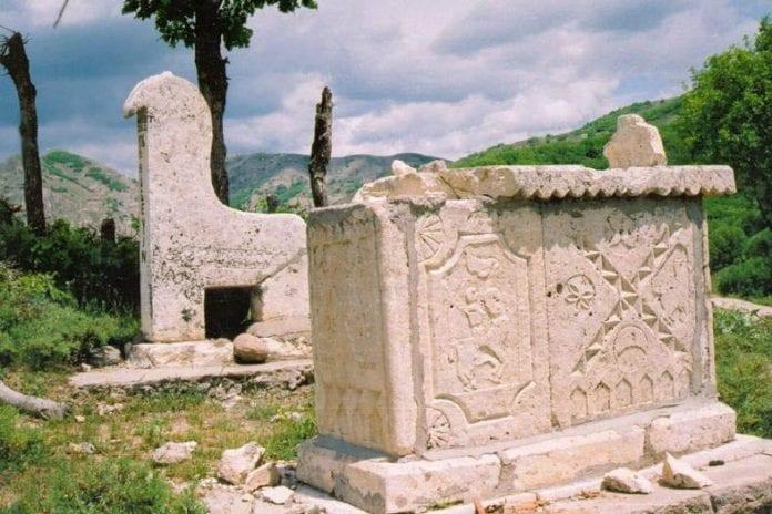 koç koyunlu mezar taşları