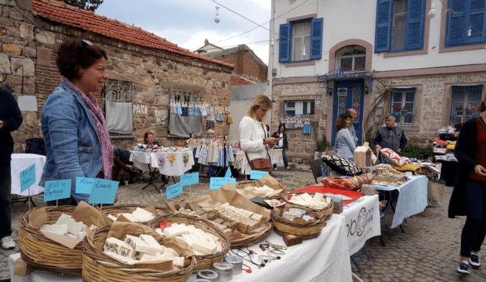 ayvalık perşembe pazarı