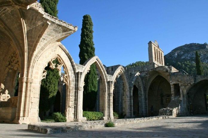 bellapais manastır