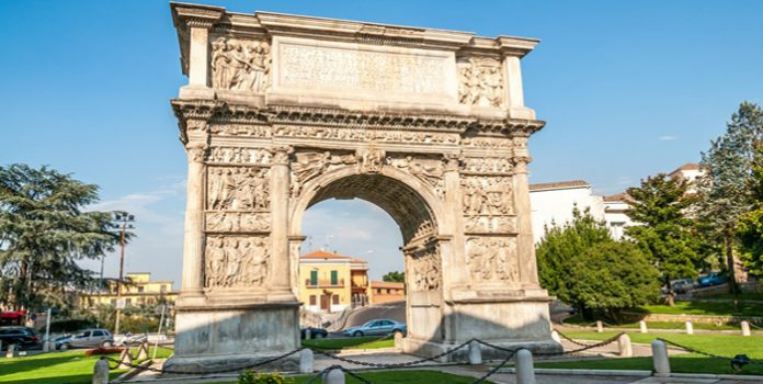Arco di Traiano