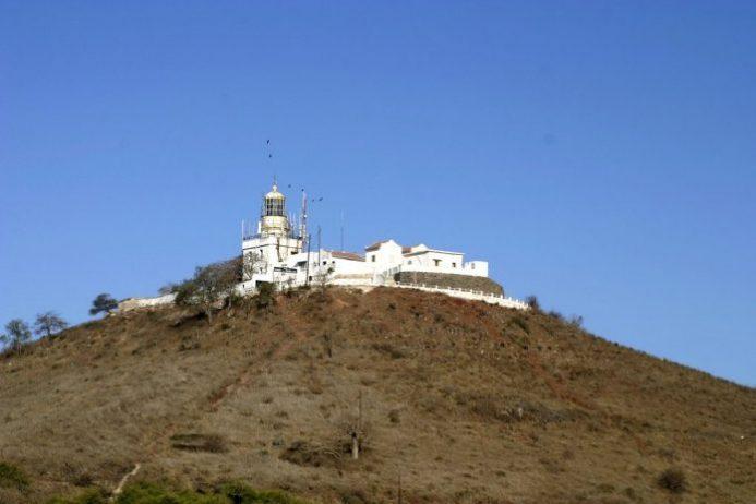 Les Mamelles Deniz Feneri