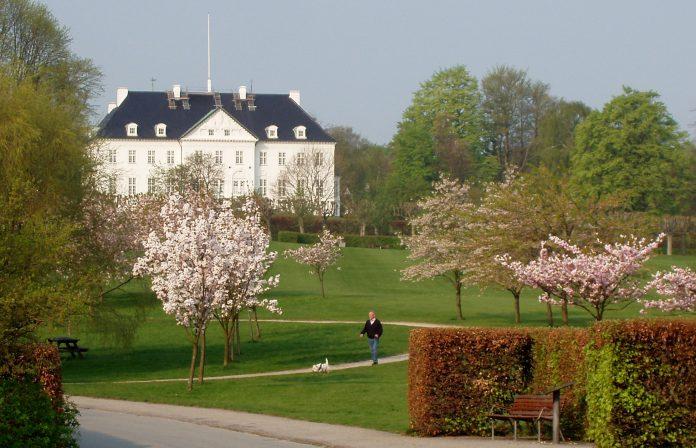 Marselisborg Sarayı ve Anıt Parkı