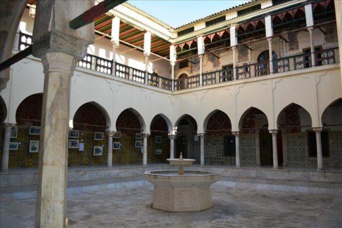 Ahmed Bey Sarayı
