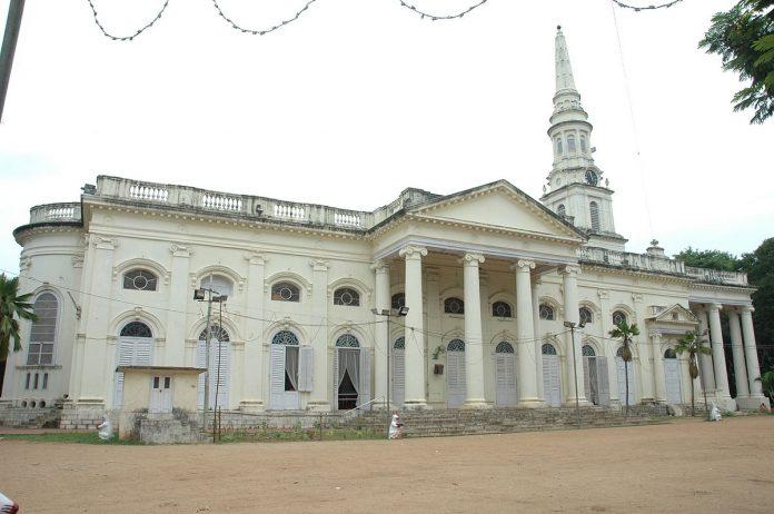 Aziz George Kalesi ve Azize Mary Kilisesi