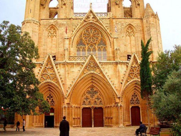 Aziz Nicholas Katedrali