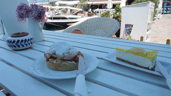 Ceri Cafe