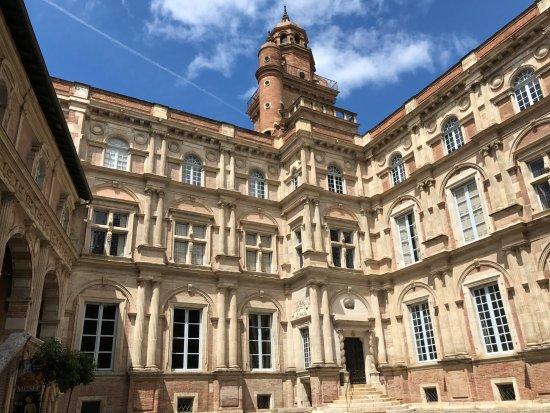 Fondation Bemberg Binası