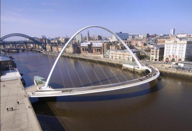 Gateshead Millennium Köprüsü