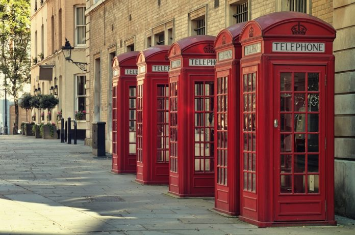 Londra Telefon Kulübesi