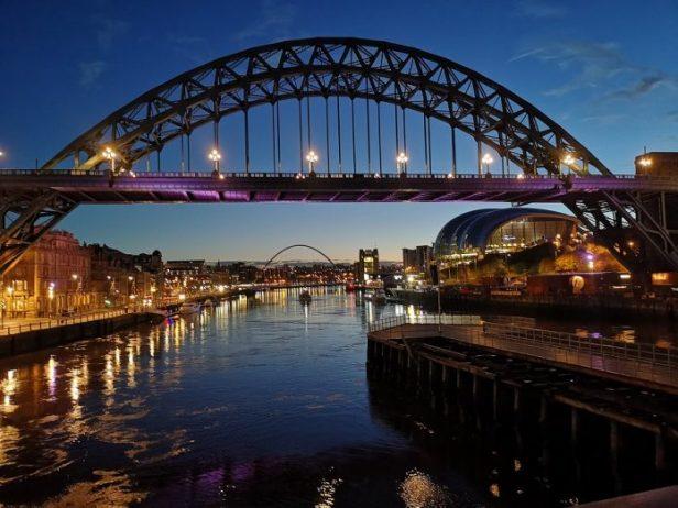 Tyne Nehri ve Köprüsü