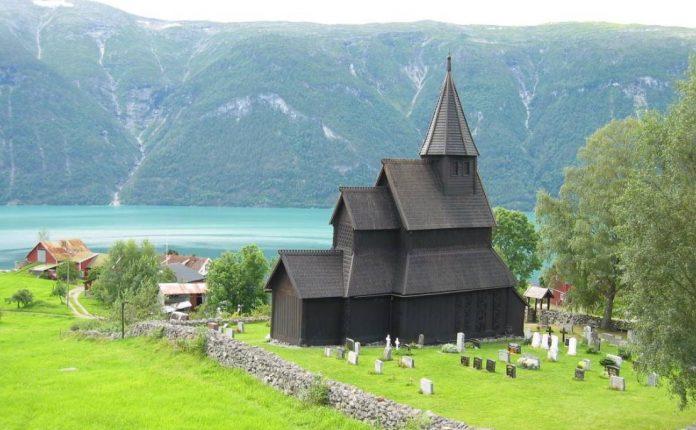 Urnes Stave Kilisesi