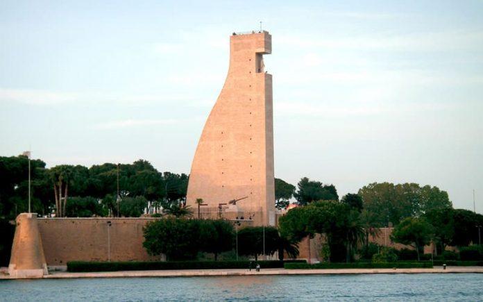 Brindisi Arkeoloji Müzesi