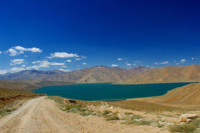 Bulunkul Gölü