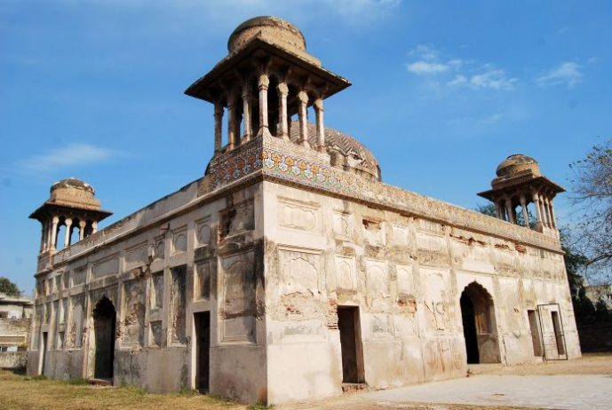 Dai Anga Mezarı