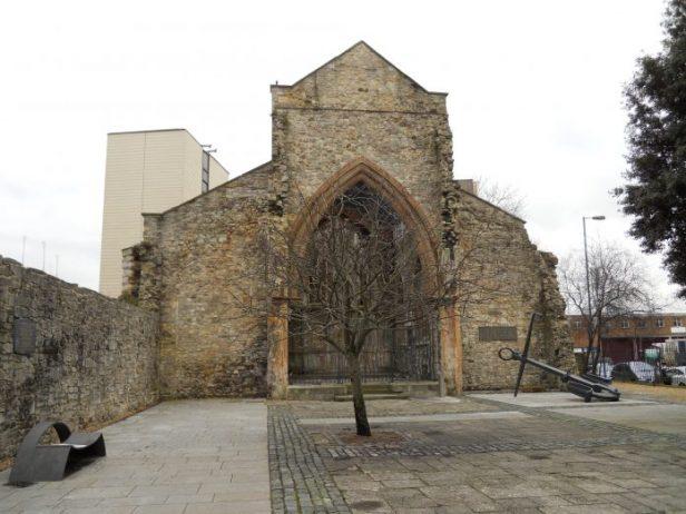 Holyrood Kilisesi