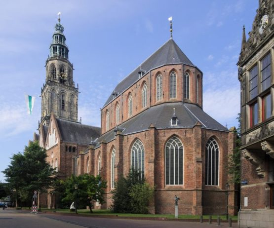 Martinikerk ve Martin Kulesi