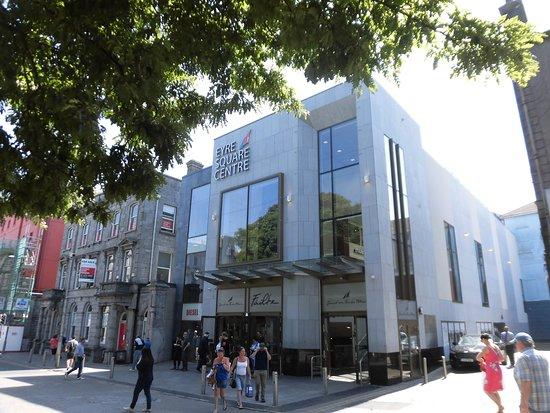 Eyre Meydanı Alışveriş Merkezi