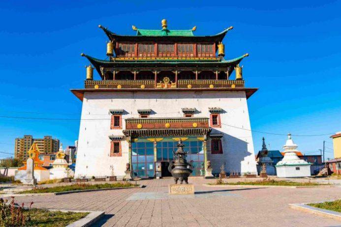 Gandantegchinlen Manastırı