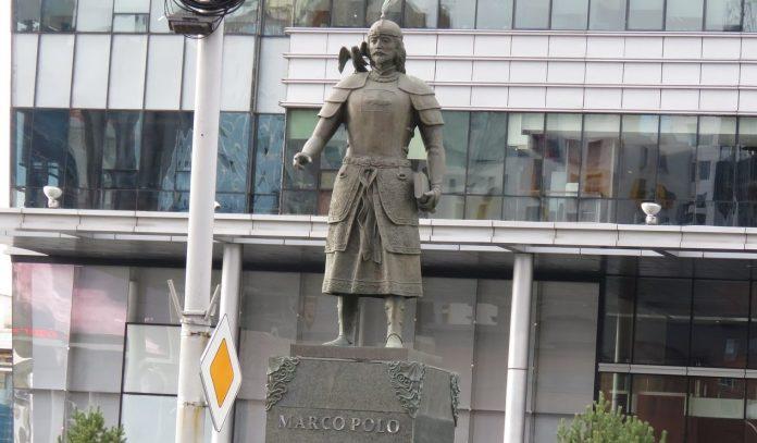 Marco Polo Heykeli