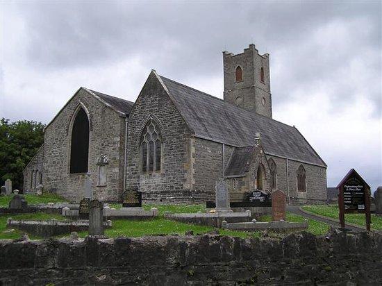 Parish Kilisesi ve Saat Kulesi