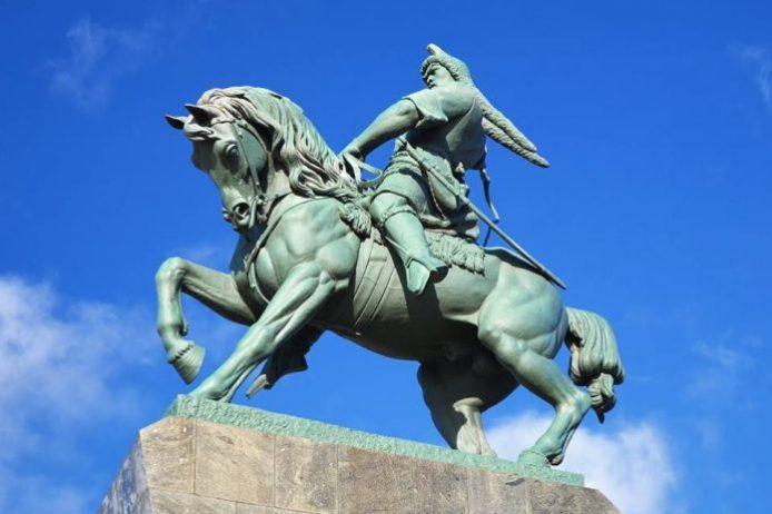 Salavat Yulaev İn Anıtı