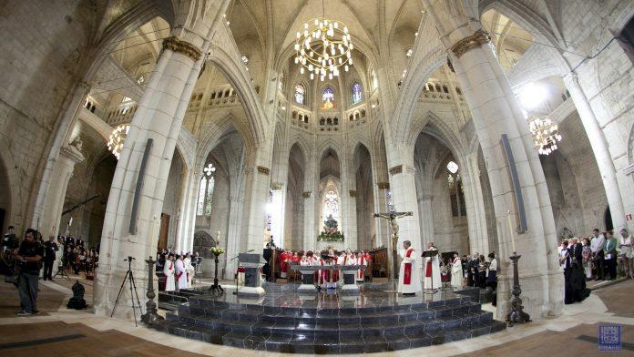 Santa María de Vitoria Katedrali