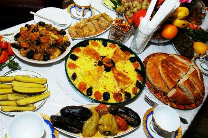 Azerbaycanda ne yenir? Ne içilir?