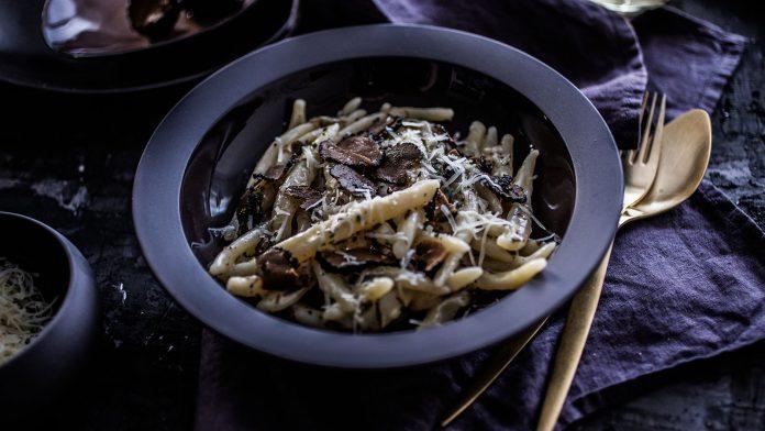 Fuzi Mantarlı Noodle