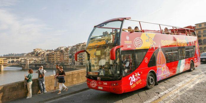 Hop on hop off turist otobüsleri