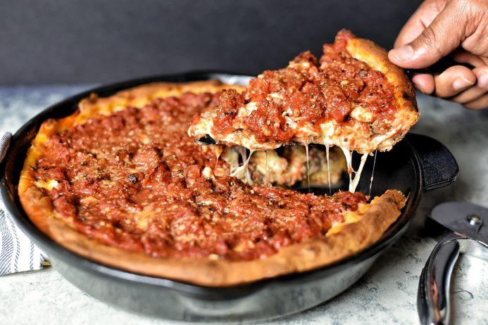 Chicago usulü pizza
