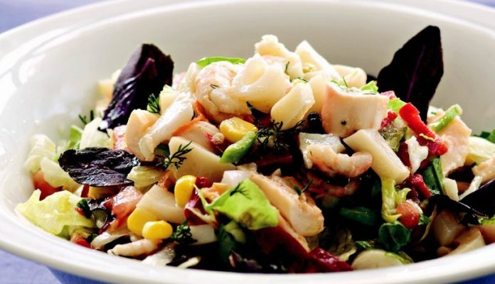 Kalamar Salatası