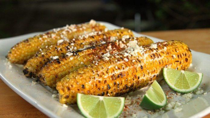 Meksika tarzı közde mısır