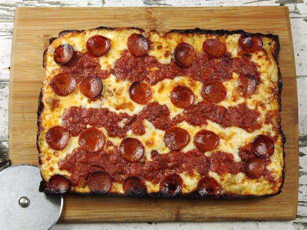 Michigan Usulü Pizza