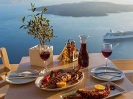 Santorini'de ne yenir? Ne içilir?