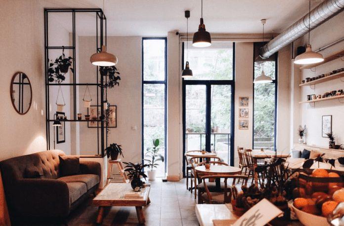 Roots Cafe & Botanique